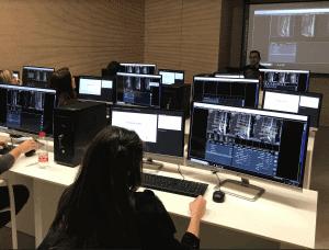 Primeros cursos con simuladores de Resonancia Magnética